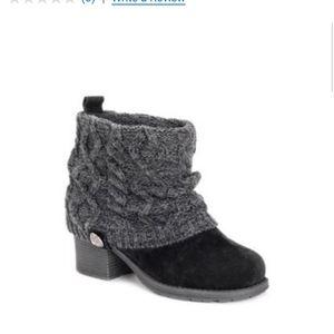 Muk Luks black winter boots size 10